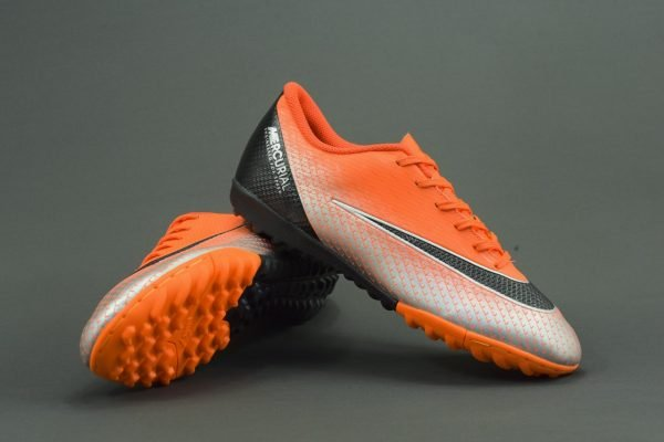giày-bóng-đá-nike